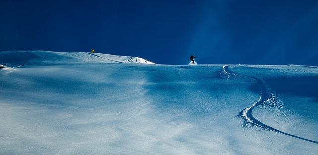 stopa ve sněhu